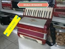 ACORDEON SANFONA SCALA 48 BAIXOS POR APENAS R$ 2.400,00