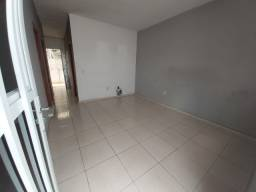 068 Boa Casa 2 qts, sala ampla, desocupada - Nilópolis