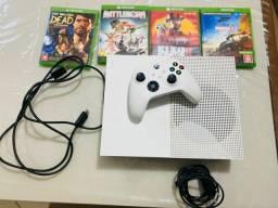 Título do anúncio: XBOX ONE s 500gb com controle e jogos