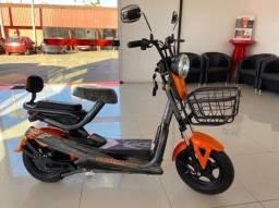Scooter Elétrica 800W Golden Bull XF-001