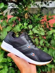 Vendo Tênis Nike Jordan e Tommy hilfiger ( 120 com entrega)