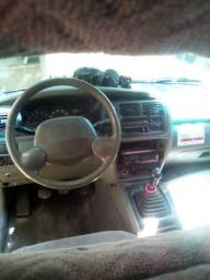 Vendo ou troco por carro mais novo tracker 2001 diesel mazda super conservado.3 dono - 2001