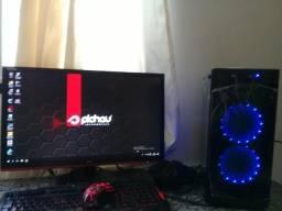Computador gamer e monitor gamer