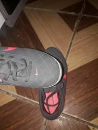 Sapato de futsal nike