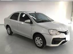 Toyota Etios X sedã parcelo ou financio - 2018