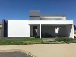Belíssima casa no condomínio Vitória em Formosa - GO