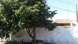 Casa com três quartos na Etapa C de Valparaiso de Goias