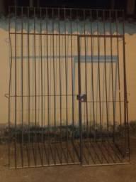 Vendo grades de ferro com portão