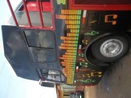 Ônibus trio eletrico