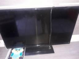 Vendo TV Panasonic quebrada 200$