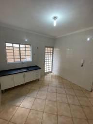 Apartamento térreo para locação no Largo do Divino, Sorocaba, 2 dormitórios