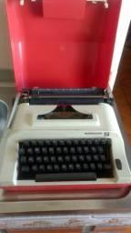 Máquina de escrever antiga reminegton 15