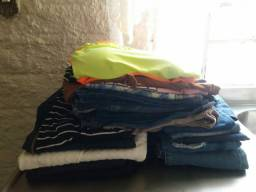 Lote com 24 peças de roupas em excelente estado e pouco usadas!