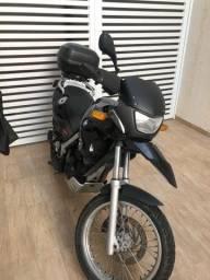 Vendo moto/ aceito troca por carro