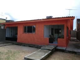 Casa com 4 quartos, garagem p/ 3 carros, toda lajeada em Pau Amarelo
