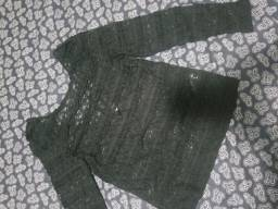 Blusa preta bordada transp