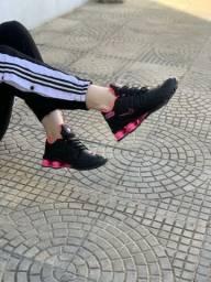 Nike Shox preto/Pink feminino $79.99