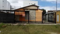 Casa em condomínio fechado - 02 quartos - R$ 550,00