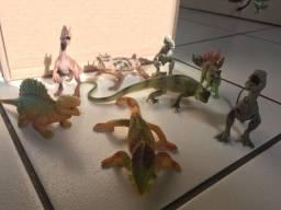 Título do anúncio: Brinquedo dinossauro e animais