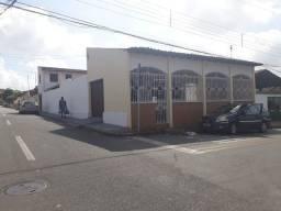 Título do anúncio: Casa com 5 dormitórios, 250 m² - venda por R$ 450.000,00 ou aluguel por R$ 2.500,00/mês -