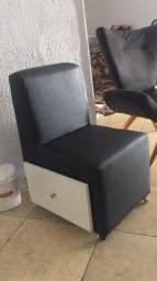 Título do anúncio: Cadeira de fazer unha