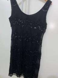 Vestido bordado preto