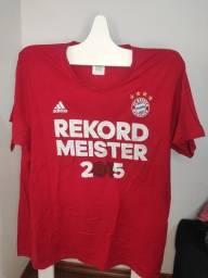 "Título do anúncio: Camiseta Adidas Camiseta Adidas Bayern Munich, ""Record Master 2015"""
