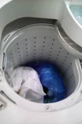 Vende-se uma máquina de lavar roupa de 11kg