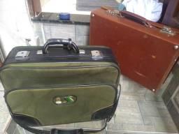 Duas malas antigas