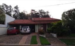 Título do anúncio: Casa em Condominio Fechado em terreno de 711,62 metros quadrados- Araras-SP