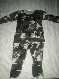 Pijama/Conjuntinho de dormir infantil camuflado