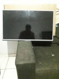 Televisão 32 Perfeita Marca : LG  Funcionado tudo *