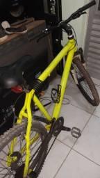 Bike aro 26 , quadro em alumínio 21 marchas