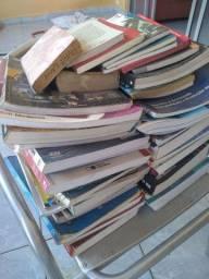 Doa-se livros