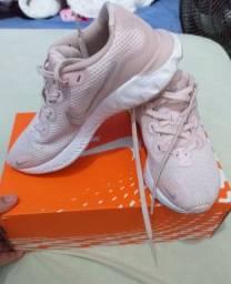 Tênis Nike Renew