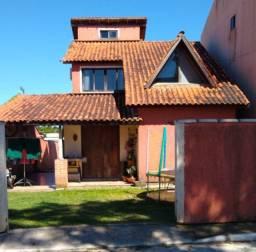 Vendo Casa com 2 Dormitórios (1 suite) em Campeche
