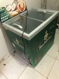 Freezer 300 litros. R$ 900.00