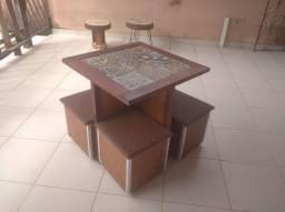 Mesa com bancos, aparador, mesas de centro , bancos rústico