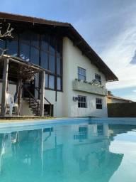 Alugo Casa de Praia em condomínio privativo