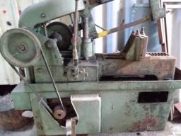 Maquina serra industrial