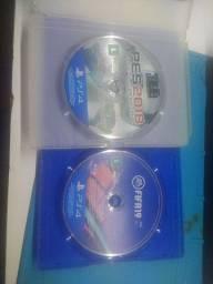 Título do anúncio: 2 jogos PS4 fifa19 e pés 18