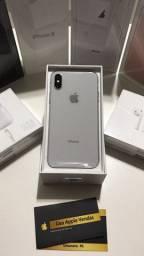 iPhone X 64Gb semi novo Silver e Space Gray com 3 meses de garantia.