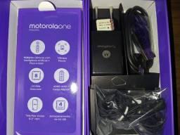 Caixa e acessorios Originais Motorola One MAcro