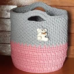 Cestos em crochê feito com fio de malha