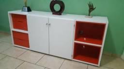 Mesa para escritório e armário