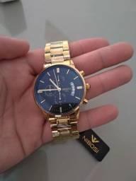 Lindo relógio NIBOSI novo