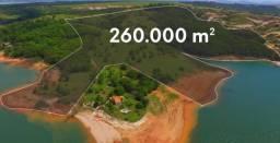 Excelente area para venda em Capitolio-MG na represa de Furnas, com 260.000 m2 e 900 m de