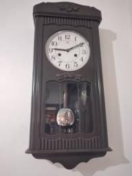 Relógio Antigo H