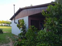 Velleda oferece sitio completo, 1600 m², casa alv. campo futebol