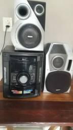 Vendo som. com duas caixas de som por 300 reais